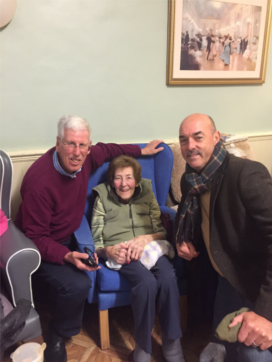 Liverpool FC Legend Bruce Grobbelaar visits Stapely Care
